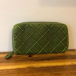 Handbags - Green Crisscross Pattern Wallet